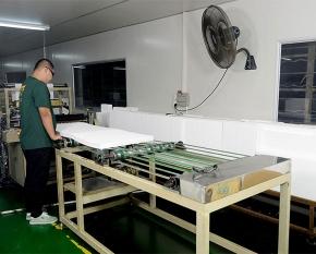 过滤器生产车间